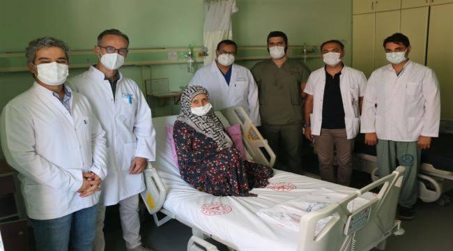 Aylardır Yemek Yiyemeyen Hasta Kapalı Yöntem Ameliyat İle Sağlığına Kavuştu.